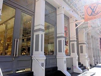 Winkelen in SoHo - Louis Vuitton