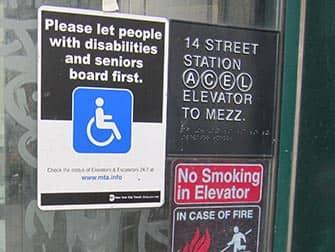 Voorzieningen voor gehandicapten in New York - Bordje metro