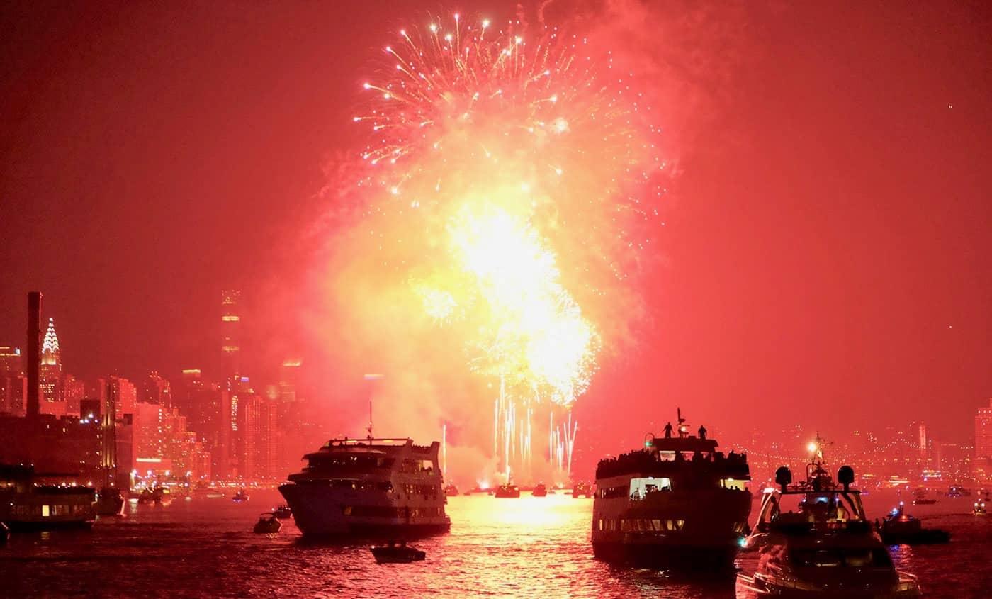 4th of July Boottochten in New York - Vuurwerk