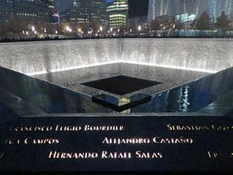 9-11 Memorial in de avond in New York