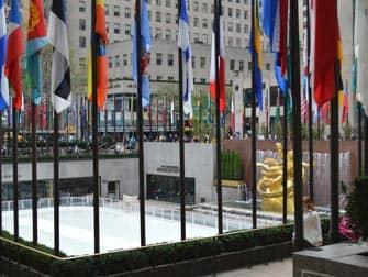 Bij Rockefeller Center schaatsen in New York