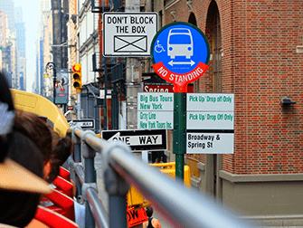 Hop-on Hop-off bus in New York - Bushalte