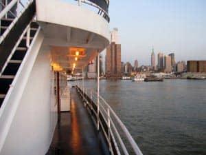 Avondboottochten in New York