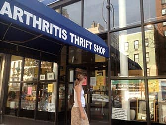Winkelen in Upper East Side in NYC - Arthritis Thrift Shop