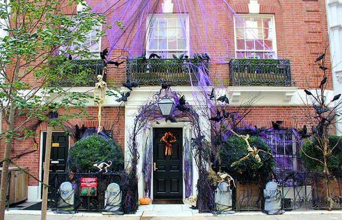 Halloween in New York - Versierd Huis