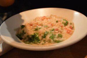 Tomaat mozzarella basilicum risotto bij risotteria