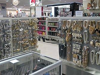 Century21 sieraden en accessoires in NYC