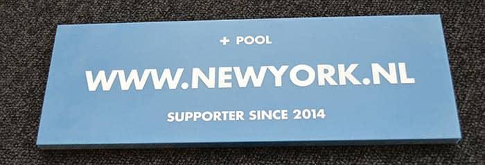 +-Pool-in-New-York-officiele-sponsor