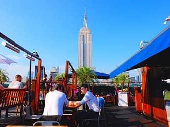 Beste Rooftopbars in New York - 230 Fifth Overdag