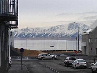 Stopover in IJsland op weg naar New York - Reykjavik uitzicht op meer