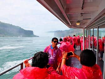 Dagtrip Niagarawatervallen met privévliegtuig - Toeristen