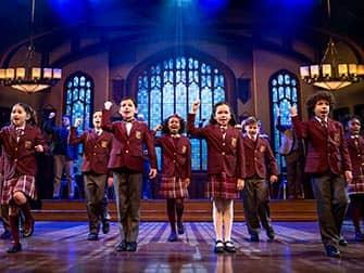 School of Rock op Broadway - Kinderensemble