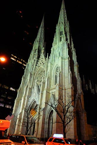 St Patricks Cathedral in New York - 's Avonds