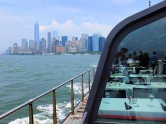 Bateaux Lunch Cruise in New York - Skyline