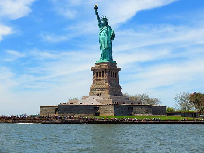 Bateaux Lunch Cruise in New York - Vrijheidsbeeld
