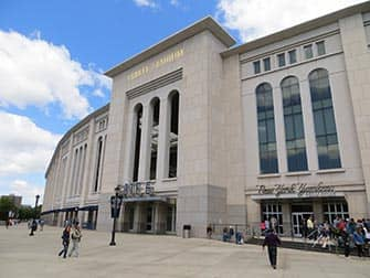Brooklyn, Queens en The Bronx Tour - Yankee Stadium