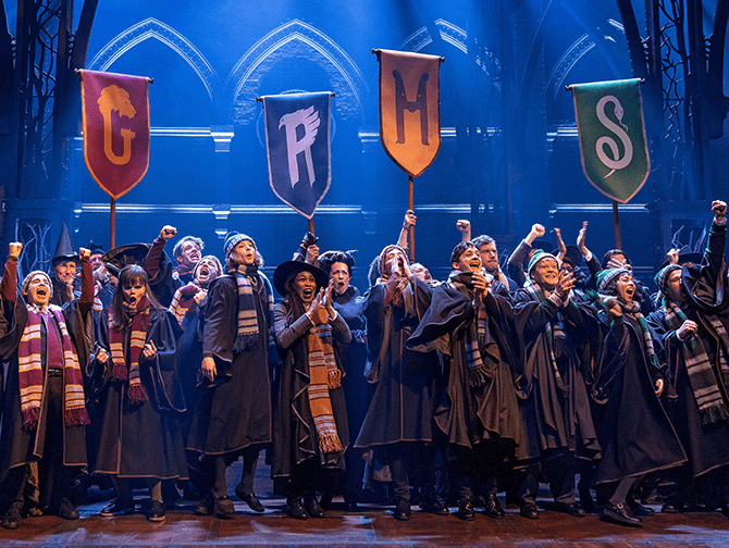 Harry Potter and the Cursed Child op Broadway Tickets - Op Hogwarts