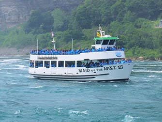 Dagtrip Niagarawatervallen per bus vanuit New York - Maid of the Mist